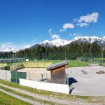 Sportplatz Oberperfuss mit Beachvolleyball und Skaterpark