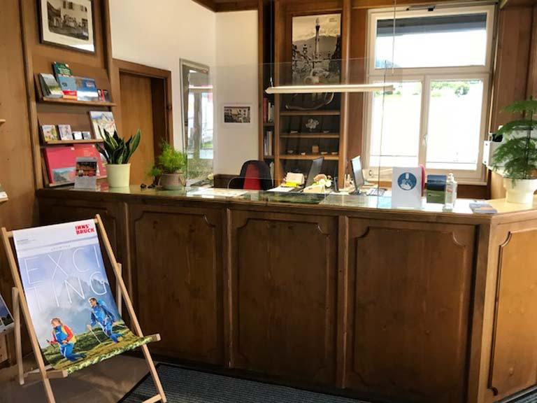 Blick ins Tourismusbüro Oberperfuss